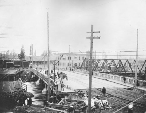 Washington Street Bridge near completion, Photographs, City of Spokane Public Works Department, Washington State Archives, Digital Archives.
