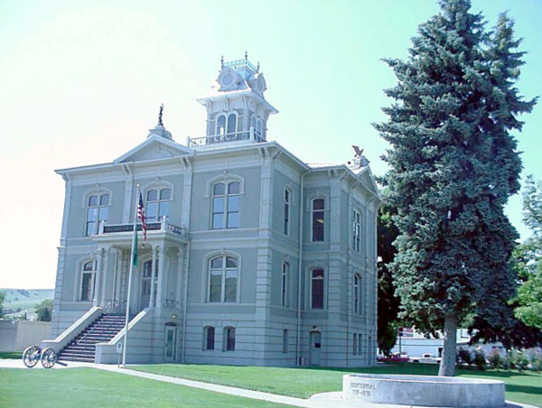 Columbia County Court House in Dayton, Constructed in 1887.